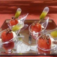 Cucharilla de sandía, mozzarella, anchoa y albahaca